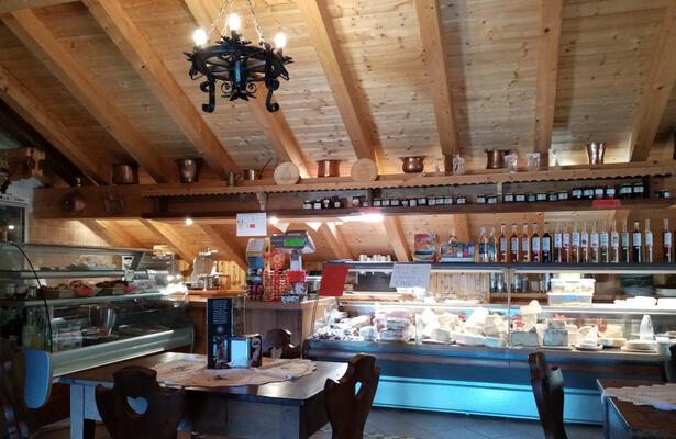 Agriturismo in Valle d'Aosta: visitando l'Alpe Corneuil di Ayas...