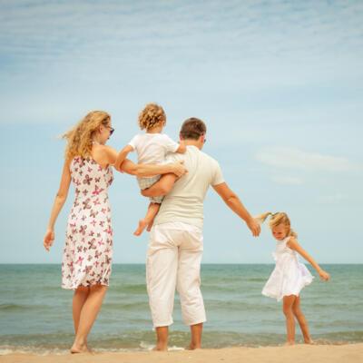 Settimana di luglio Hotel con tutti i comfort per la famiglia sul mare di Riccione