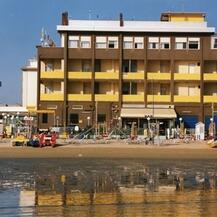 GIORDY BEACH spiaggia privata  L'ESCLUSIVITA' DI UNA SPIAGGIA UNICA