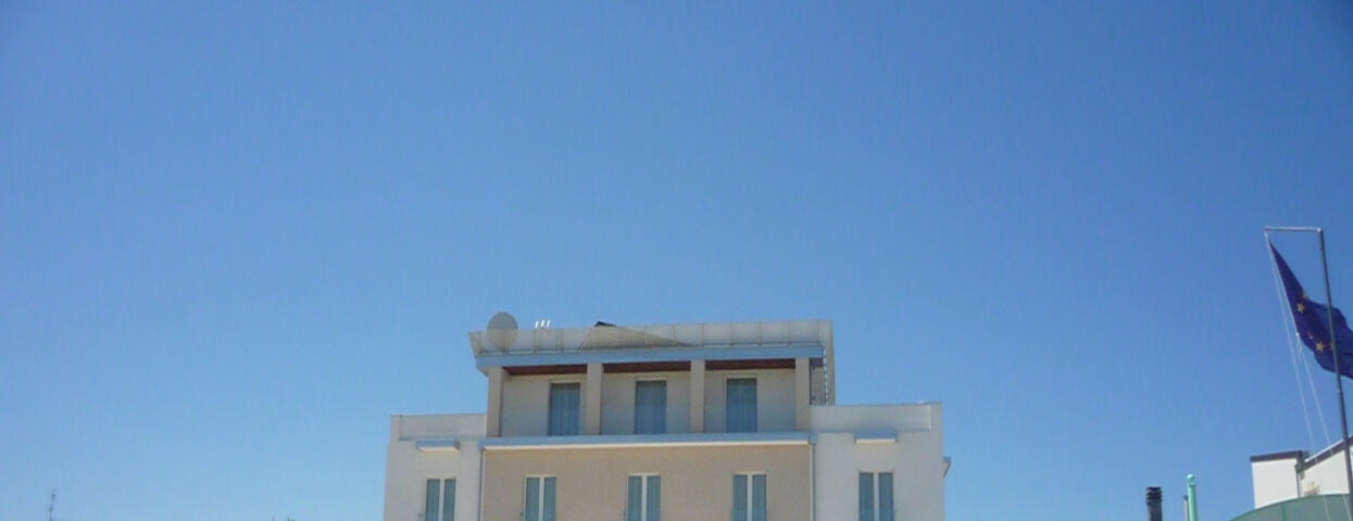 albergoaquila en 1-en-303182-july-august-offer-hotel-bb-beach 014