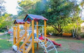 Karda Beach Camping and Bungalows 3