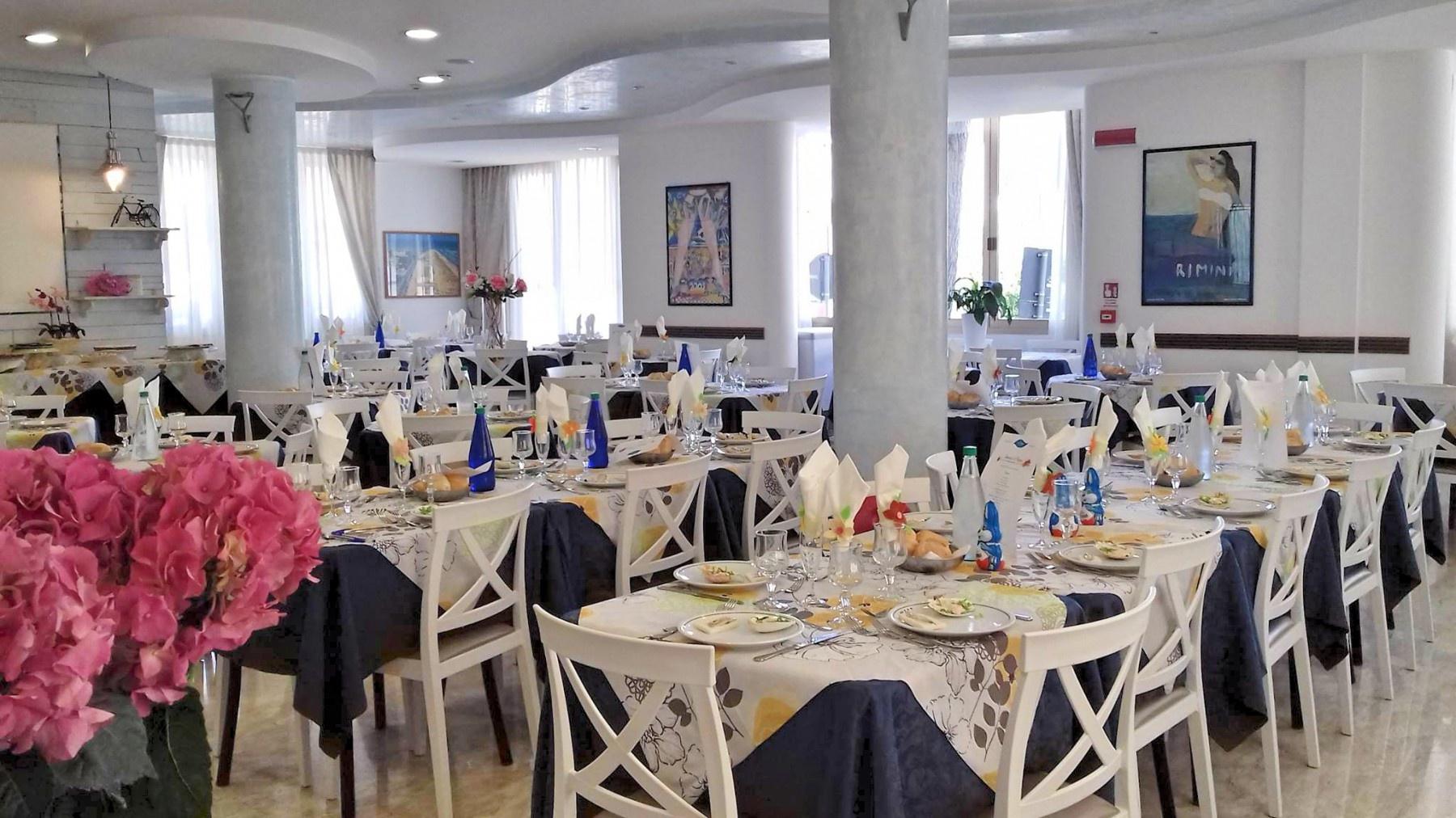 Hotel tre stelle rimini marina centro 3 stelle via for Hotel tre stelle barcellona