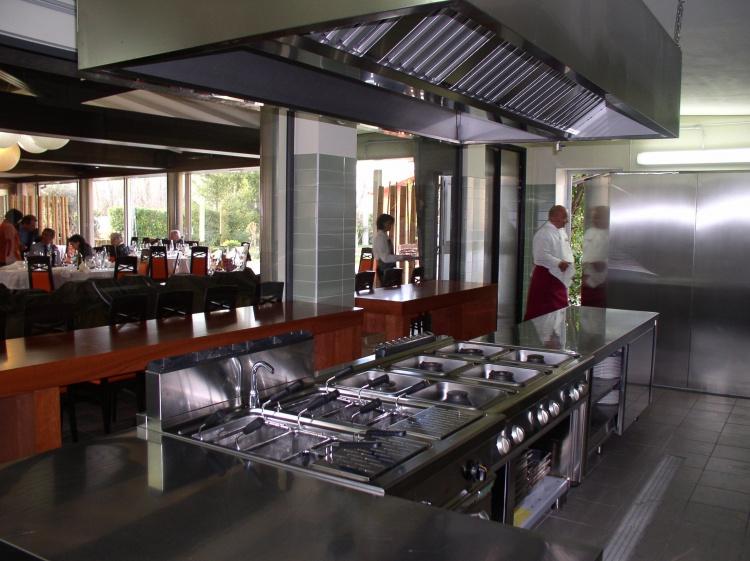 Cucina ristorante Villa Elena Sulmona (AQ)