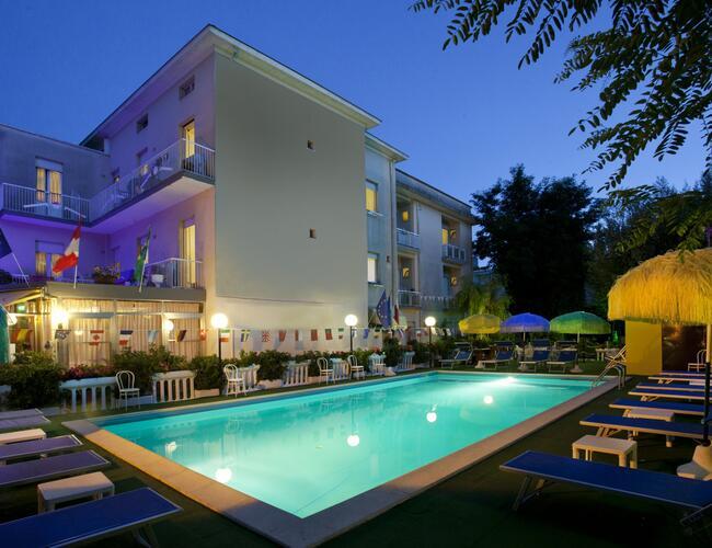Hotel des bains rimini marina centro due stelle hotel for Gerardmer hotel des bains