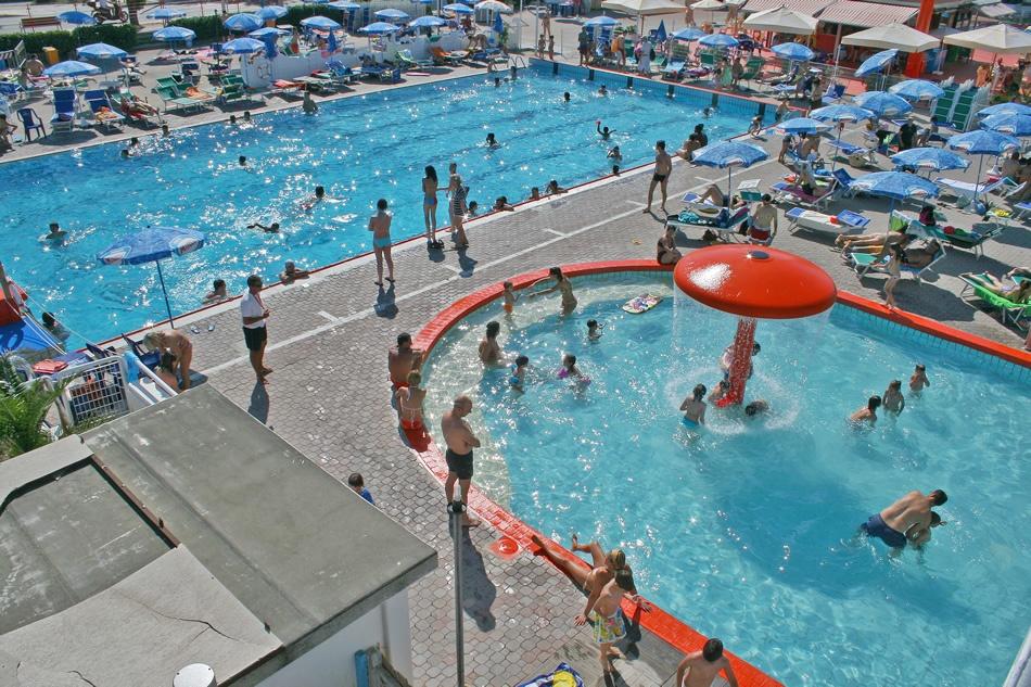 Hotel san marino riccione 3 stelle via goldoni 6 - Rimini terme orari piscina ...