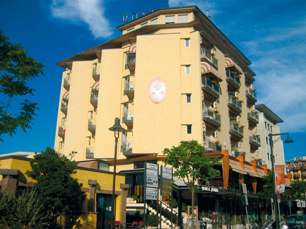 Hotel royal gatteo mare 3 stelle viale giulio cesare 7 for Gardini per arredare gatteo fc