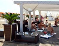 Attività con Le Spiagge del Benessere: pilates, yoga, shiatsu, ginnastica posturale, riflessologia plantare Bagno 76-78 Rimini