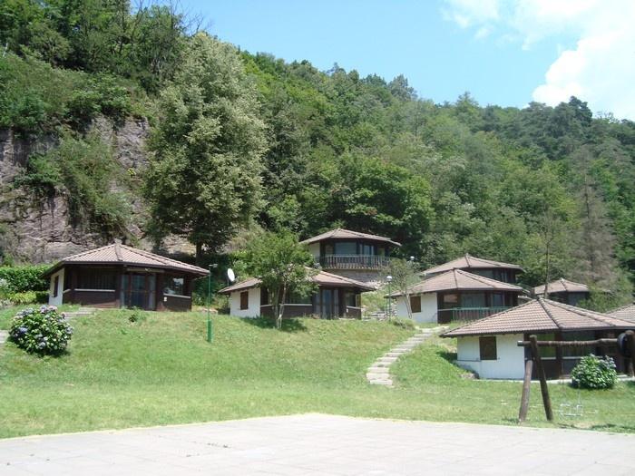 Camping Villaggio Le Rocce Rosse