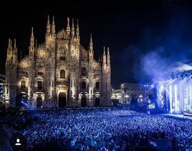 MTV Award OB - Piazza Duomo Milano - Produzione per AA productions