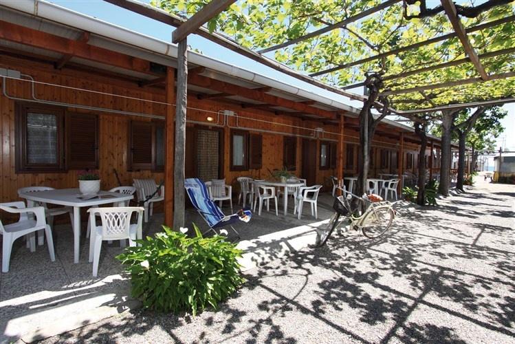 camping italia parco vacanze albenga savona. Black Bedroom Furniture Sets. Home Design Ideas