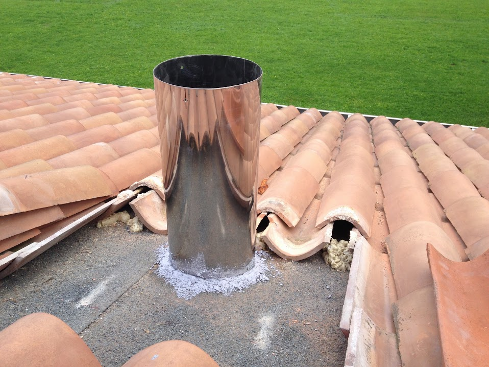 Schiuma poliuretanica tegole e coppi vorpa for Montaggio tetto in legno ventilato
