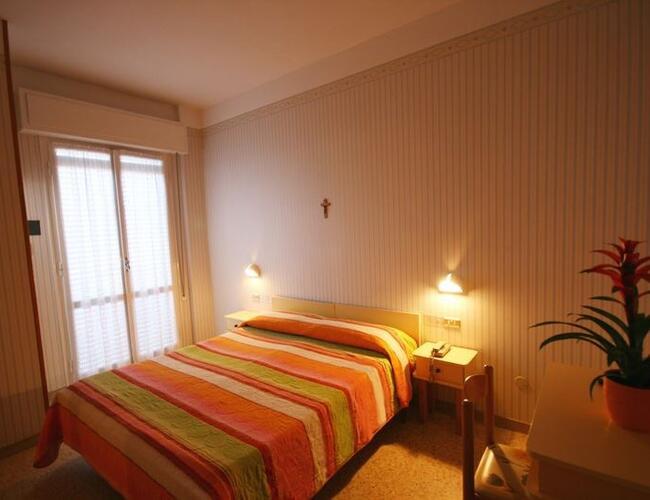 Hotel cosmos drei sterne hotel rivazzurra promozione alberghiera