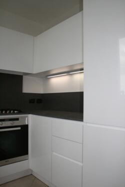Cucina moderna laccata bianca opaca senza maniglia a Santarcangelo ...