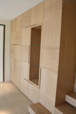 Armadio soggiorno moderno in legno di rovere spazzolato a ...