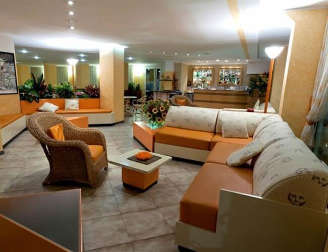Hotel helios rivazzurra quattro stelle hotel rivazzurra for Quattro stelle arredamenti prezzi