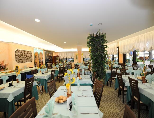 Hotel nuovo belvedere san giuliano mare tre stelle hotel san giuliano mare promozione - Hotel nuovo giardino rimini ...