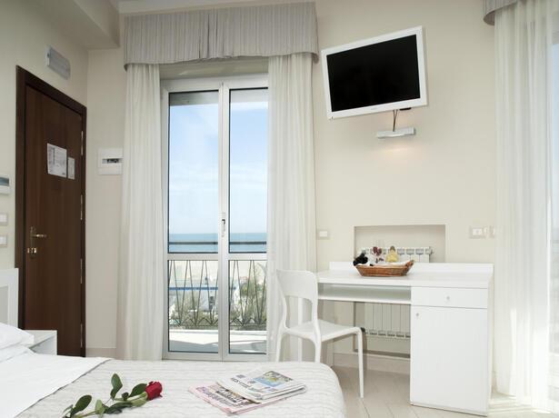 lungomarehotel it offerta-primavera-a-cervia-in-hotel-sul-mare 014
