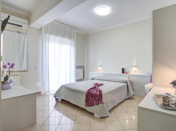 lungomarehotel fr offre-mai-a-cervia-a-l-hotel-a-la-mer 013