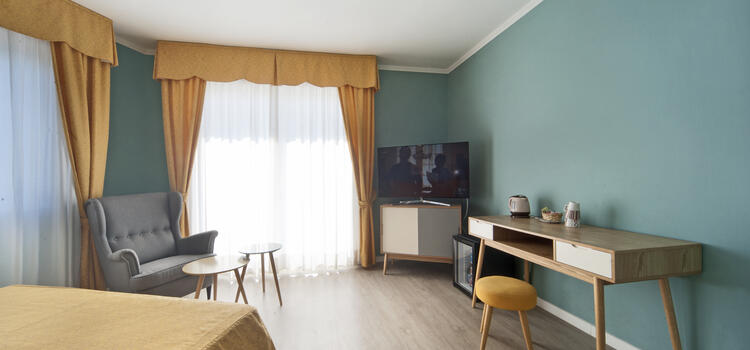 hotelermitage en offer-at-the-end-of-july-in-bellaria-at-beach-hotel-by-the-sea 014