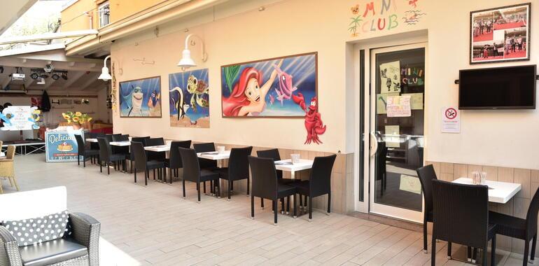 hotelmargherita it offerta-fine-agosto-e-inizio-settembre-in-hotel-3-stelle-vicino-al-mare-a-rimini 024