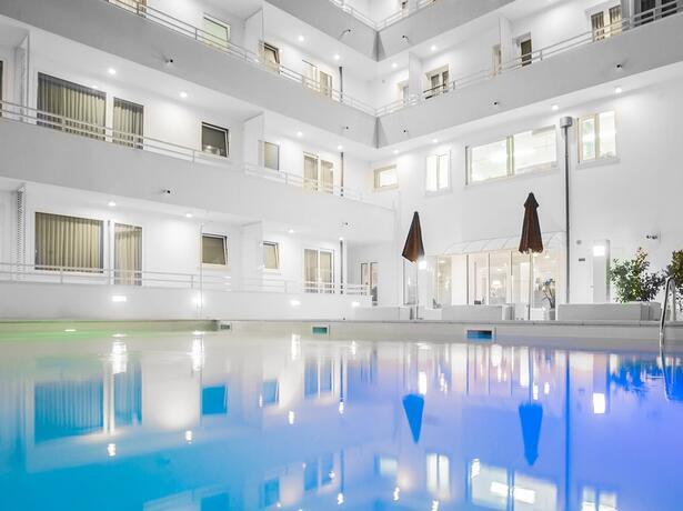 hotelmokambo de angebot-rosa-nacht-cesenatico-in-design-hotel-mit-pool 012