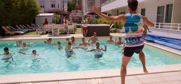 hotelmokambo it offerta-giugno-family-hotel-cesenatico-bimbi-gratis-vecchia 002