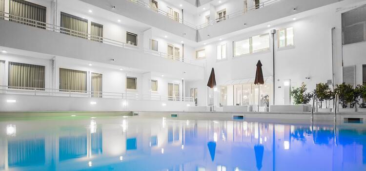 hotelmokambo it offerta-agosto-cesenatico-in-design-hotel-con-piscina 004