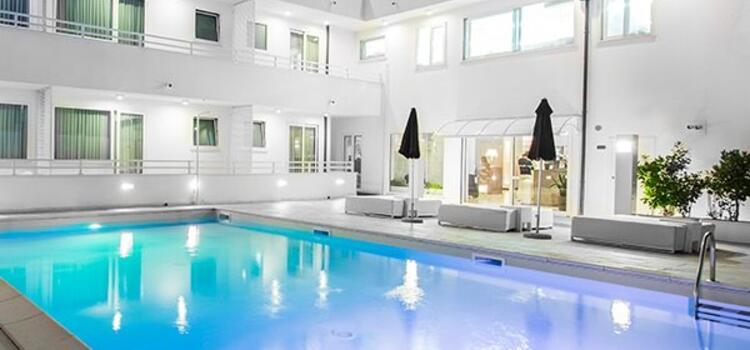 hotelmokambo it offerta-design-hotel-per-coppie-cesenatico-con-pernottamento-e-colazione 006