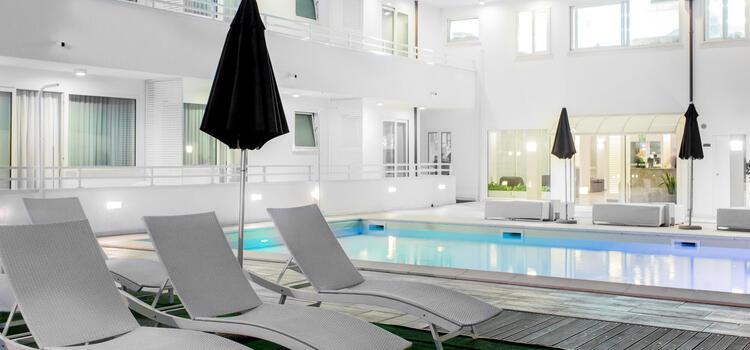 hotelmokambo de gelegenheiten-im-august-in-einem-low-cost-hotel-in-cesenatico-mit-pool 005