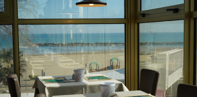 panoramic en voucher-for-holidays-in-rimini-in-hotel-near-the-sea 009