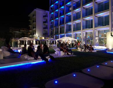 i-suite it gli-eventi-cocktail-night-estivi-in-i-circus-i-suite-a-rimini-fronte-mare-5-stelle 013