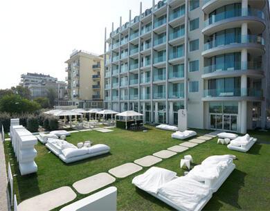 i-suite it fiera-ecomondo-rimini-hotel-rimini-con-centro-benessere 010