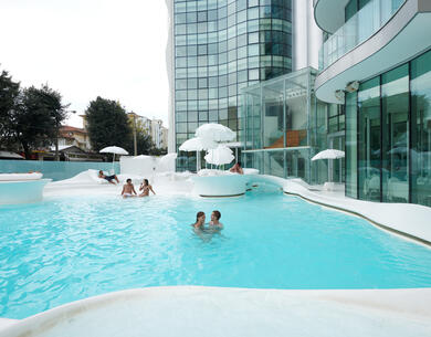i-suite it offerta-ponte-2-giugno-rimini-design-hotel-5-stelle-con-piscina-esterna 011