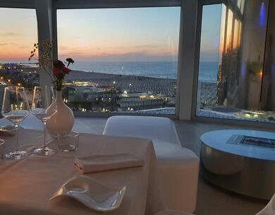 i-suite it offerta-ttg-a-rimini-soggiorno-in-hotel-5-stelle-con-spa 010