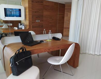 i-suite it smart-working-a-rimini-in-suite-di-desing-hotel-5-stelle-vista-mare 013