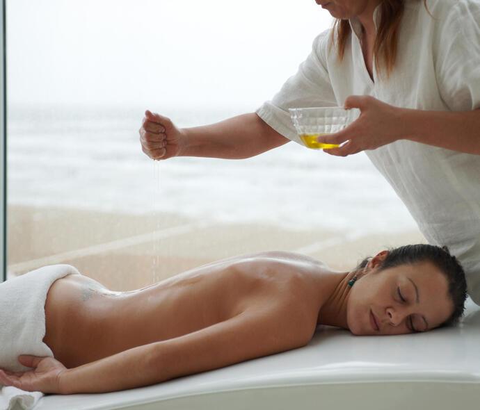 i-suite it pasqua-a-rimini-con-escursioni-e-trattamenti-benessere-in-hotel-5-stelle-sul-mare 008