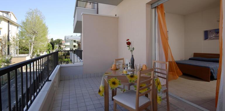 residenzanobel it offerta-vacanze-di-agosto-in-residence-di-rimini 017