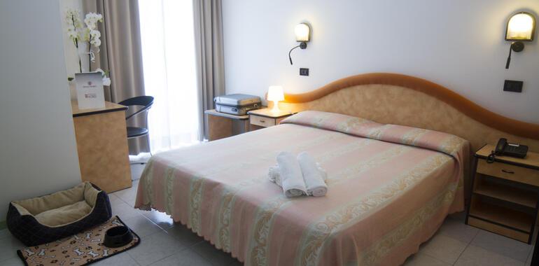 residenzanobel it vacanze-sul-mare-torree-pedrera-per-coppie 018