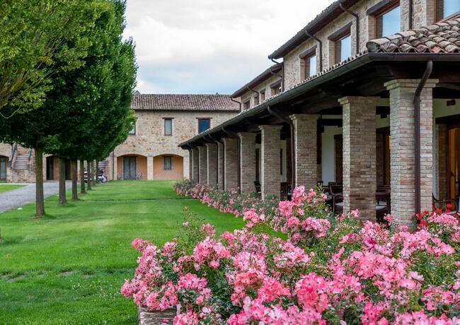 borgolanciano it private-spa-nelle-marche-con-centro-benessere-ad-uso-esclusivo 010