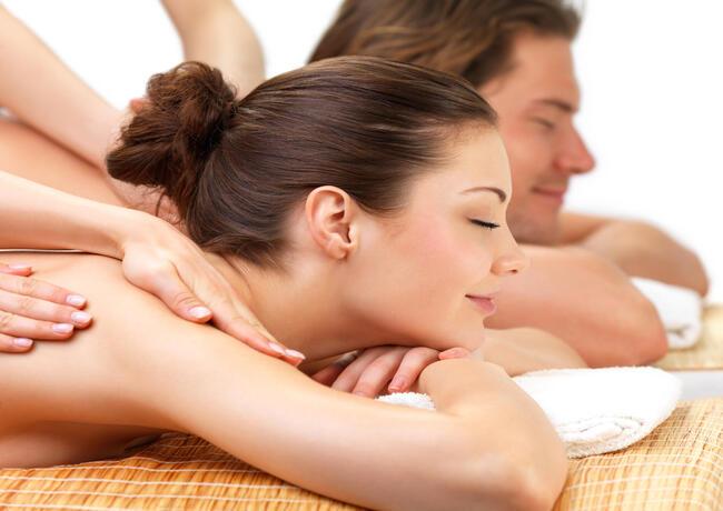borgolanciano de paket-day-spa-wellnesscenter-marken-mit-paar-massage 005