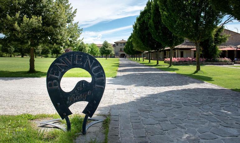borgolanciano fr offre-resort-marches-avec-diner-gourmet-inclus 003