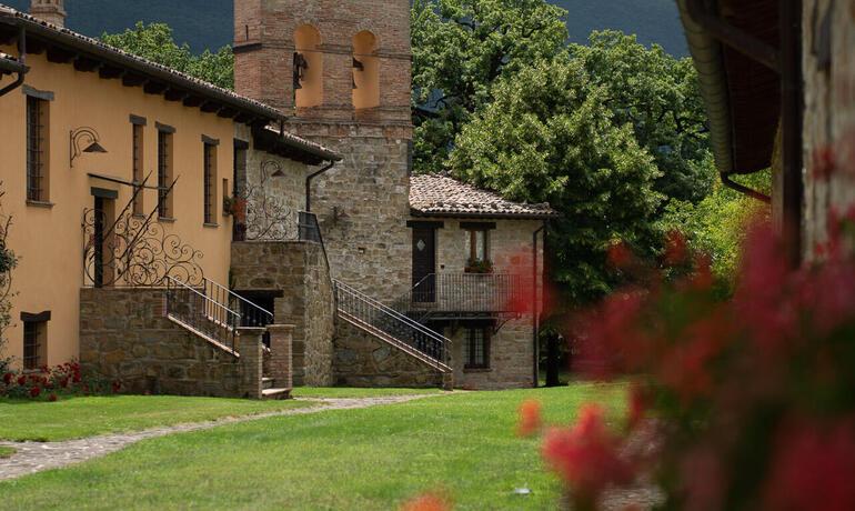 borgolanciano it pacchetto-relax-resort-nelle-marche-con-cena-inclusa-e-escursioni 003
