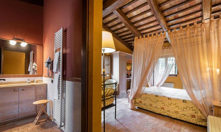 borgolanciano fr forfaits-resort-marches-avec-centre-bien-etre-et-restaurant-gourmet 006