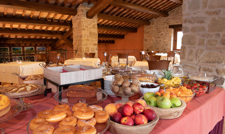 borgolanciano en offer-for-couples-hotel-marche-with-spa-dinner-and-massage 006