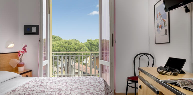 hotellevante.unionhotels en special-offer-early-booking-at-beach-hotel-in-pinarella-di-cervia 013