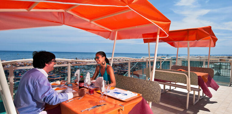 hotellevante.unionhotels it offerta-settembre-in-riva-al-mare-all-hotel-levante-a-pinarella-di-cervia 012