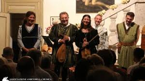 cortesehotel en 3-en-18678-festival-of-ancient-music-at-lake-orta 009