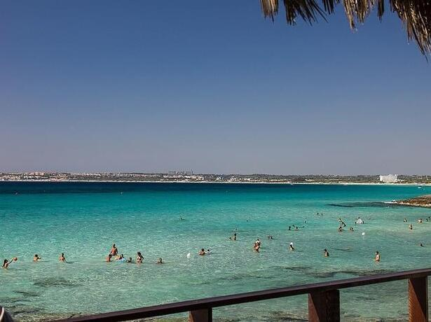 baiadigallipoli en special-offer-for-young-people-and-teenagers-stays-on-pitch-at-campsite-in-salento 012