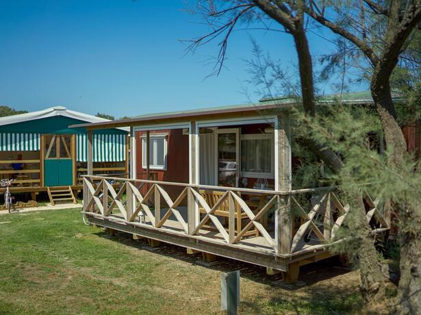 campinglido nl aanbieding-voor-een-verblijf-in-augustus-in-stacaravan-in-camping-village-met-zwembad-in-bibione 024