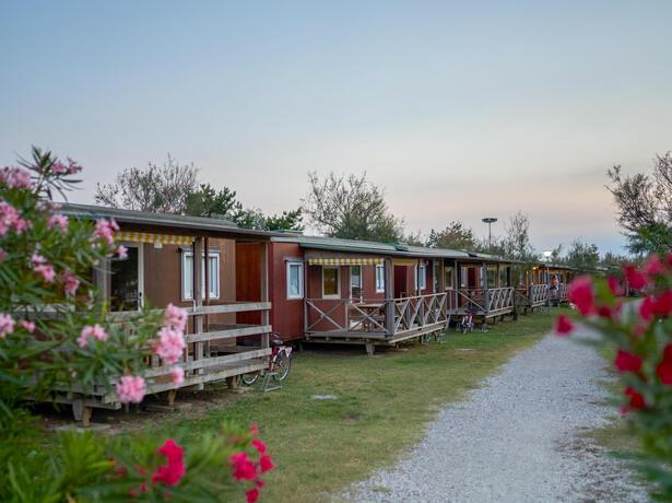campinglido nl aanbieding-voor-een-verblijf-in-augustus-in-stacaravan-in-camping-village-met-zwembad-in-bibione 023